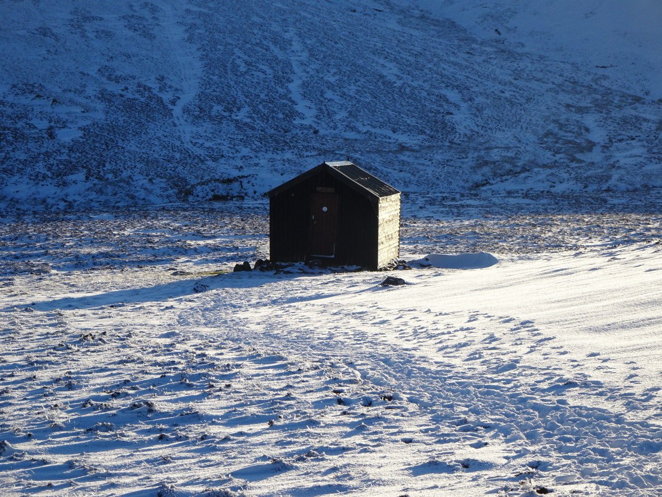 The Lingy Hut, high in its remote setting. Taken at  4:26pm